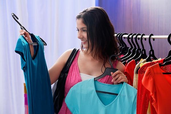 Abbigliamento produzione e ingrosso
