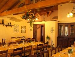 Negozi aziende ristoranti a arluno overplace for Arredamento ristorante rustico