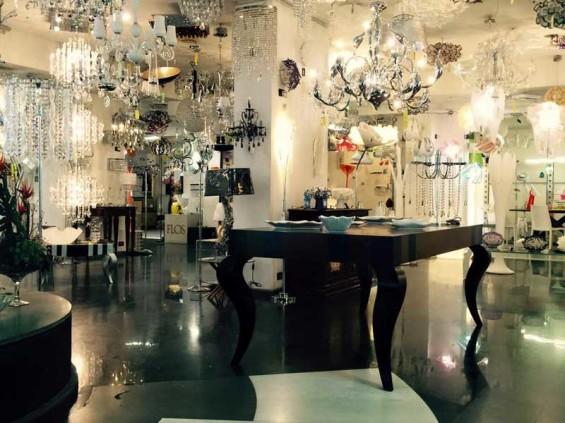 Punto vendita lampadari da Barcaccia II di Barcaccia Orietta a Roma ...