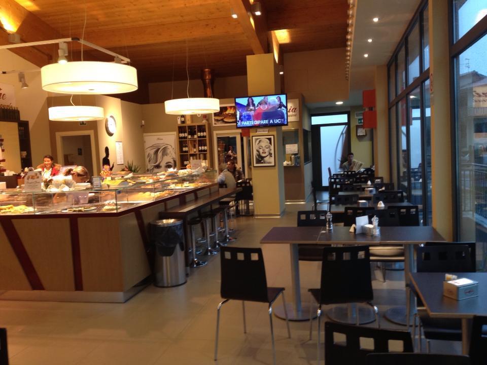 the latest 851f3 1f93e Bar e caffè La Dolce Vita Assisi Perugia