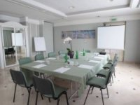 Albergo e bed & breakfast a Pomezia | Green Park Hotel | Overplace - Pomezia