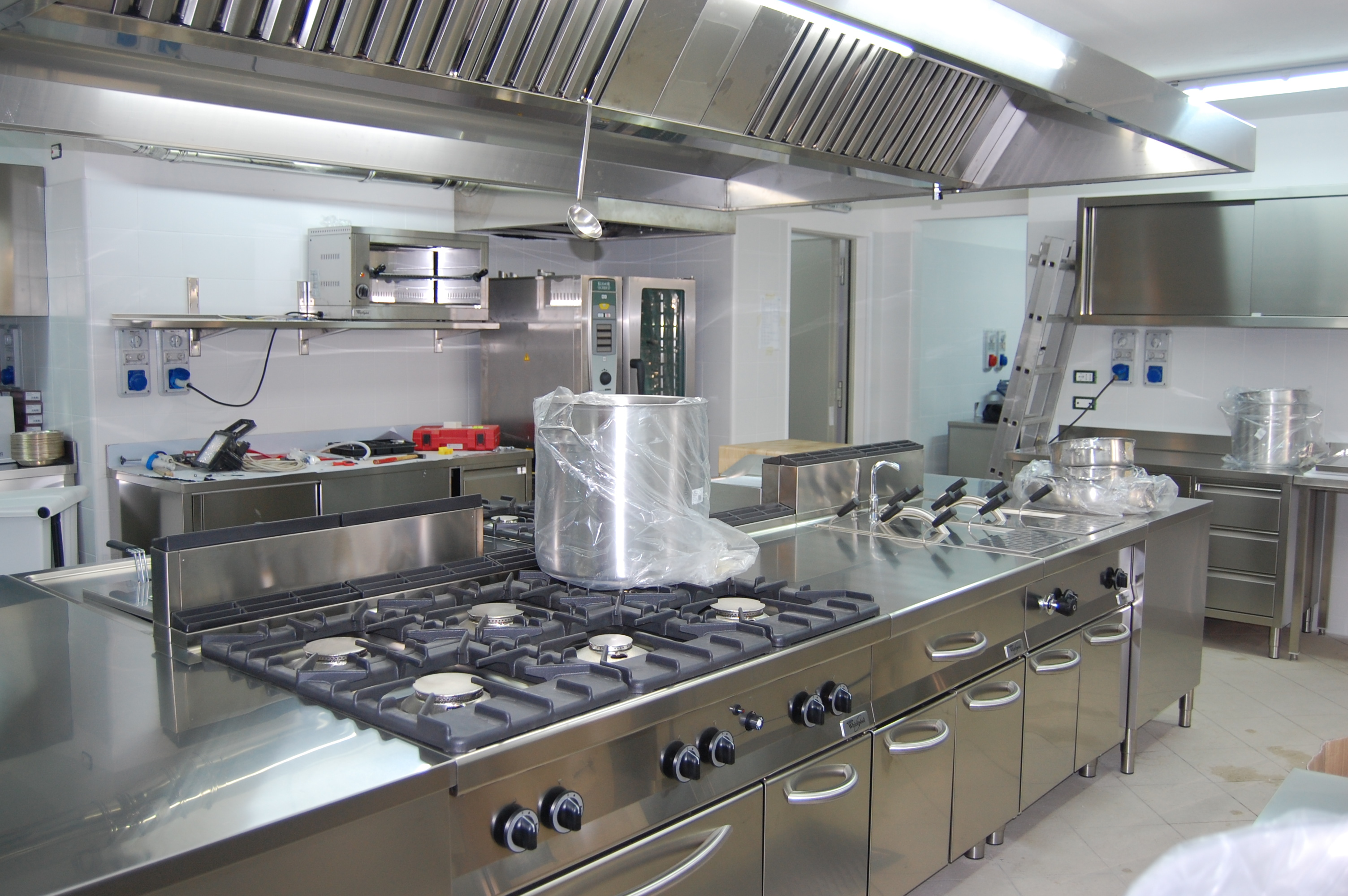 Vendita e assistenza cucine professionali perugia s a t for Mobili cucine professionali