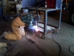 OFFICINA MECCANICA E CARPENTERIA LORANDI - Carpenterie metalliche - Marone (Brescia)