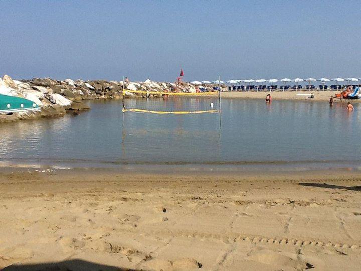 Stabilimento balneare e ristorante a pisa bagno marco polo overplace - Bagno marco polo marina di pisa ...