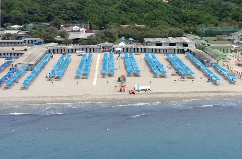 Stabilimento balneare a pisa in tirrenia bagno maddalena - Bagno maddalena ...