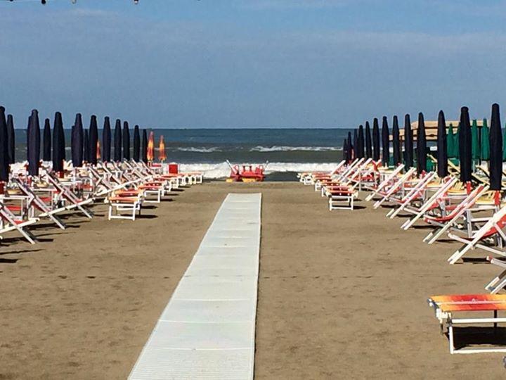 Stabilimento balneare viareggio bagno il sole overplace - Bagno genova viareggio prezzi ...
