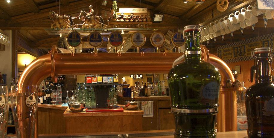 Pub grignasco birreria di grignasco overplace for Birreria arredamento