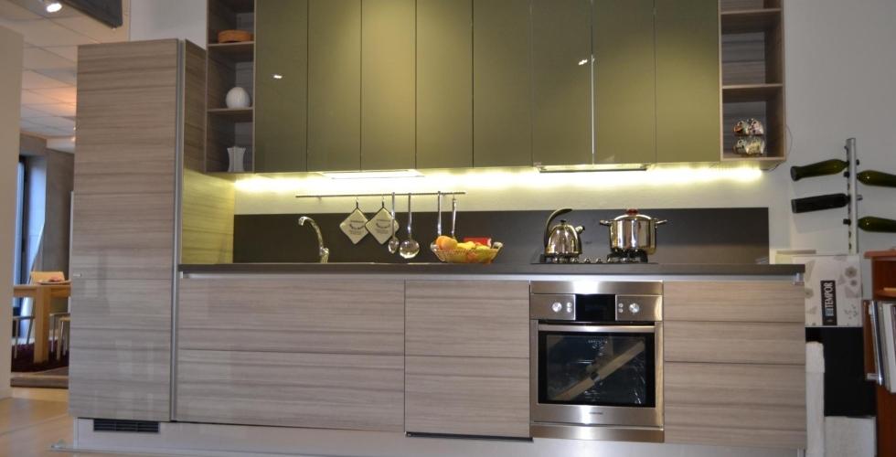 Arredamenti magica mobili di torino overplace for Subito torino arredamenti